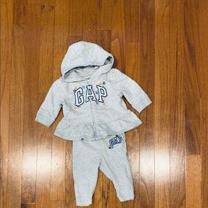 Baby gap sweat outfit